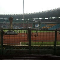 Photo taken at Kompleks Gelora Bung Karno by Shafa 'Cha' N. on 11/18/2012