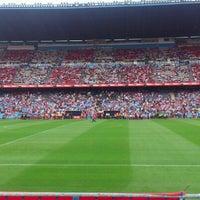 Photo taken at Estadio Vicente Calderón by Serrito on 9/23/2012