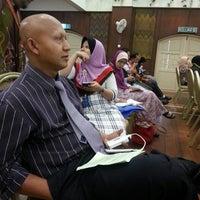 Photo taken at Kompleks Islam Jubli Perak Sultan Ismail Petra by Analiza Anis A. on 4/8/2014