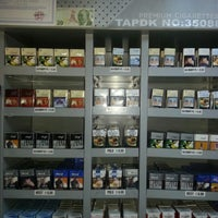 Photo taken at Chaphullers Shop by Ebru D. on 11/15/2013