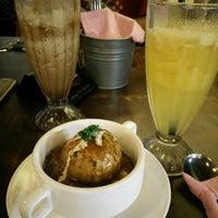 Photo taken at Wadihana Islamic Steakhouse by Sopea on 4/7/2017