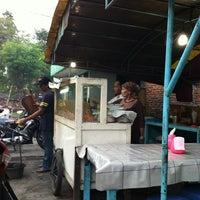 Photo taken at Warung Sate Ayam Madura by Steve M. on 3/4/2013