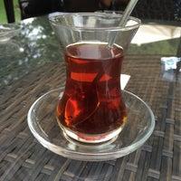 8/31/2017 tarihinde Murat A.ziyaretçi tarafından Emirgan Kafe'de çekilen fotoğraf