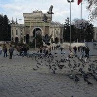 12/28/2012 tarihinde 'Çiğdemziyaretçi tarafından Beyazıt Meydanı'de çekilen fotoğraf