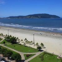 Foto tirada no(a) Praia do José Menino por Fernando O. em 11/24/2012