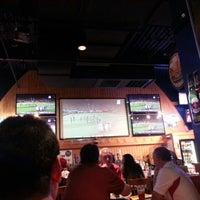 Das Foto wurde bei Buffalo Wild Wings von Jinfu L. am 9/30/2012 aufgenommen