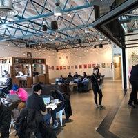 Foto scattata a La Marzocco Cafe da Brendan G. il 2/11/2018