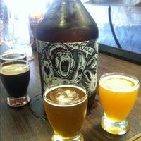 Foto tomada en Smog City Brewing Company por Kim P. el 7/4/2013