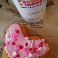 Photo taken at Dunkin' Donuts by Gergana K. on 1/30/2013