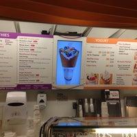 Photo taken at Freshen's Smoothies & Yogurt by Kala S. on 10/19/2012
