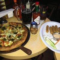 Photo taken at Pizzas&beer by Elthiza L. on 2/25/2013