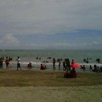 Photo taken at Pantai pasir putih anyer by Rahmatika i. on 6/9/2013