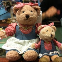 Photo taken at Teddy House by Kwanthapat S. on 10/16/2012