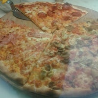 Photo taken at Pizza & Love by Morris V. on 11/21/2012