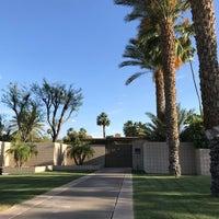Снимок сделан в Twin Palms, Frank Sinatra House пользователем Amanda D. 5/3/2018