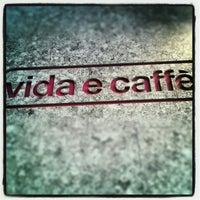 Photo taken at Vida e Caffè by Jozua J. on 10/31/2012