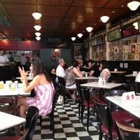 Das Foto wurde bei Bar Genial von Vitor L. am 3/3/2013 aufgenommen