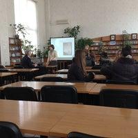 Снимок сделан в Библиотека ЧНУ им. П. Могилы пользователем Katerina S. 4/11/2013