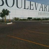 Foto tirada no(a) Boulevard Shopping por Pedro em 1/2/2013