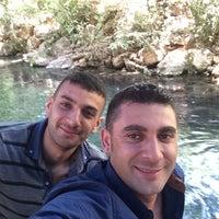 Photo taken at beyaz su ( akyüz dinlenme tesisi) by Cemal A. on 8/18/2014