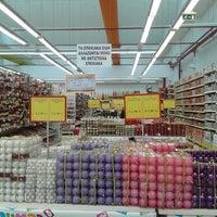 Photo taken at Jumbo by Andromahi F. on 10/25/2014