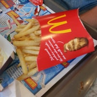 Photo taken at McDonald's by Wefison V. on 9/30/2012