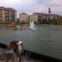 7/16/2013 tarihinde Buket S.ziyaretçi tarafından Gölpark Restoran'de çekilen fotoğraf