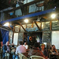10/13/2012 tarihinde Tuba C.ziyaretçi tarafından Deep Blue Bar'de çekilen fotoğraf