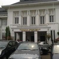 Photo taken at Fakultas Kedokteran Universitas Indonesia by Nicky on 11/7/2012