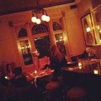 Foto diambil di Mollie Fontaine's Lounge oleh Adam W. pada 1/12/2013
