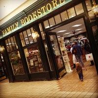 Foto diambil di Rogue Valley Mall oleh Adam W. pada 2/3/2013