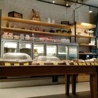 Foto tirada no(a) Bellapan Bakery por Min Koo K. em 1/30/2018