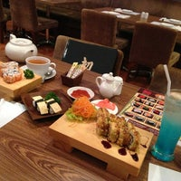 Photo taken at Hatsu Tei Teppanyaki & Sushi by Granita G. on 10/25/2013