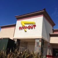 Photo taken at In-N-Out Burger by Georges on 4/19/2013