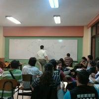 Photo taken at Universitaria de Investigación y Desarrollo UDI by Roberto C. on 11/8/2012