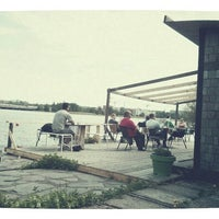 รูปภาพถ่ายที่ Kioskikahvila Tyyni โดย Jani F. เมื่อ 5/29/2013