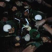 Photo taken at Waroeng SS (Spesial Sambal) by Dio M. on 1/30/2013