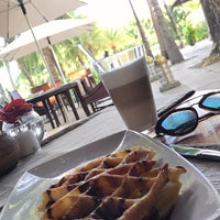 Photo taken at Maradiva Villas Resort & Spa by Haya A. on 7/10/2017