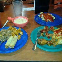 Photo taken at Golden Corral by Calvin-Keyth C. on 11/5/2012