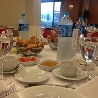 7/23/2013 tarihinde Serdar B.ziyaretçi tarafından Holiday Inn Istanbul Airport'de çekilen fotoğraf