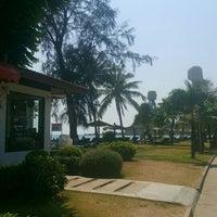 Photo taken at Klong Prao Resort Koh Chang by ศรีสุดา ส. on 5/2/2016