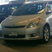 Photo taken at Toyota Muangnont by ศรีสุดา ส. on 4/22/2016