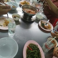 Photo taken at ร้านชัยโภชนา by ศรีสุดา ส. on 8/11/2017