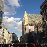 Снимок сделан в Stephansplatz пользователем Карина Б. 12/7/2012