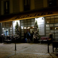 Foto scattata a Radetzky Cafè da Tram M. il 12/4/2012