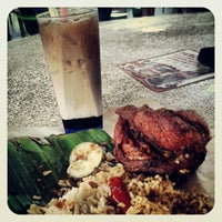 Photo taken at Maza Jungle Food Court by Hafiz N. on 2/27/2013