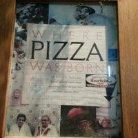 Foto scattata a Pizzeria Sorbillo da Christina B. il 1/9/2013