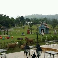 Photo taken at Royal Goodview Resort Farm by Nucharee B. on 9/22/2016