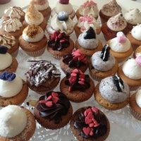 Photo taken at MoMade Cupcakes by Kaat on 7/17/2013