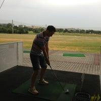 7/28/2013 tarihinde Liaziyaretçi tarafından Golf-Club Golf Range Frankfurt Bernd Hess e.K.'de çekilen fotoğraf